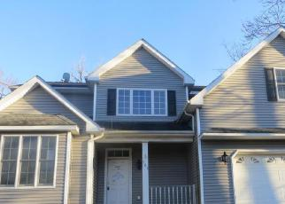 Foreclosed Home en ANGOLA RD, Highland Mills, NY - 10930