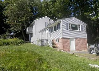 Foreclosed Home en EDWARD AVE, Plymouth, CT - 06782