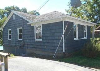 Casa en ejecución hipotecaria in Lincoln, RI, 02865,  WALKER AVE ID: F4024520