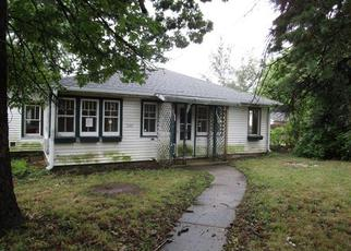 Foreclosed Home in W NORELIUS AVE, Round Lake, IL - 60073