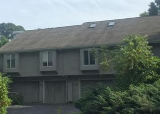 Foreclosed Home en INDIAN ROCK RD, Niantic, CT - 06357