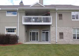 Casa en ejecución hipotecaria in Franklin, WI, 53132, W W ELM CT ID: F4054339