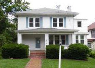 Casa en ejecución hipotecaria in Bluefield, WV, 24701,  WHITETHORN ST ID: F4064502