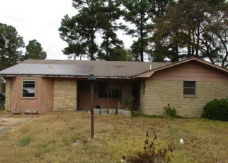 Foreclosed Home in W 37TH AVE, Pine Bluff, AR - 71603