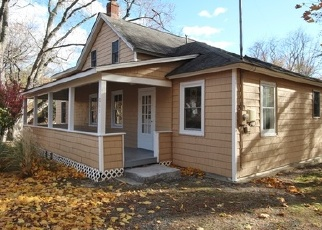 Foreclosed Home en WAYNE AVE, Stony Point, NY - 10980