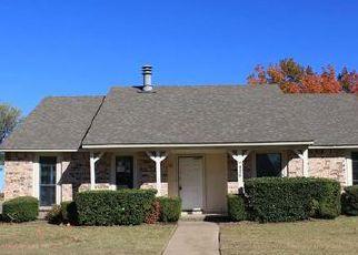Casa en ejecución hipotecaria in Mesquite, TX, 75150,  KARNES DR ID: F4080601