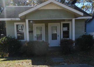 Foreclosed Home in W 1ST ST, El Dorado, AR - 71730