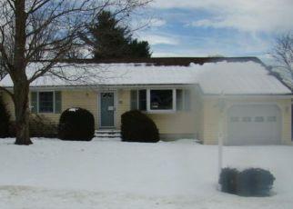 Casa en ejecución hipotecaria in Warren Condado, NY ID: F4091019