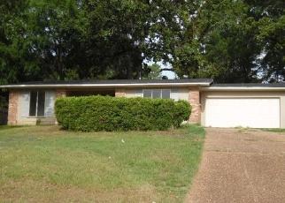 Foreclosed Home in KINGSTON RD, Shreveport, LA - 71118
