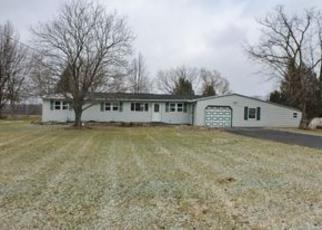 Foreclosed Home en CLAY HILL RD, Chittenango, NY - 13037