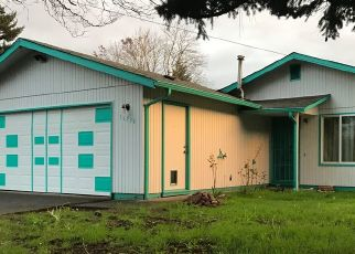 Foreclosed Home in SE STEPHENS ST, Portland, OR - 97233