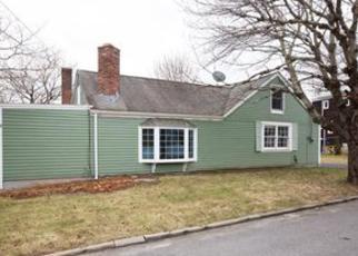 Casa en ejecución hipotecaria in Barrington, RI, 02806,  COMMONWEALTH AVE ID: F4106836