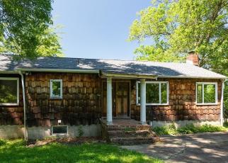 Foreclosed Home en ORCHARD LAKE DR, Monroe, NY - 10950