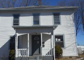 Casa en ejecución hipotecaria in West Warwick, RI, 02893,  CLYDE ST ID: F4120796