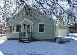 Casa en ejecución hipotecaria in Cambridge, MN, 55008,  1ST AVE E ID: F4121111