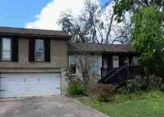 Foreclosure Home in Brazoria county, TX ID: F4122021