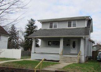 Foreclosed Home en N WARREN AVE, Columbus, OH - 43204