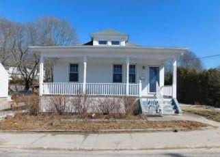 Casa en ejecución hipotecaria in Westerly, RI, 02891,  POND ST ID: F4125156