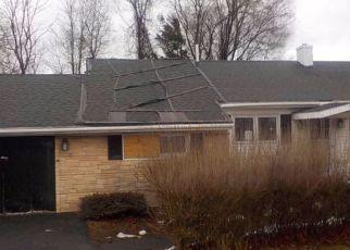 Casa en ejecución hipotecaria in Clinton Condado, NY ID: F4128203
