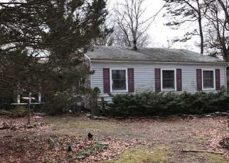 Foreclosed Home en PLYMOUTH ST, Centereach, NY - 11720