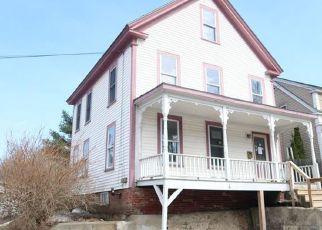 Casa en ejecución hipotecaria in Gardiner, ME, 04345,  MAPLE ST ID: F4132791