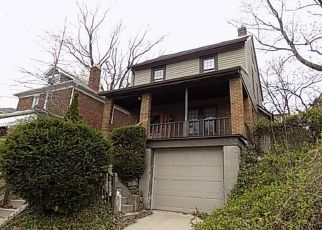 Casa en ejecución hipotecaria in Pittsburgh, PA, 15227,  CLOVERLEA ST ID: F4134240