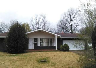 Foreclosed Home en PRICE ST, East Saint Louis, IL - 62206