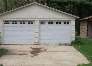 Foreclosed Home in E CHAMBERLIN ST, Dixon, IL - 61021