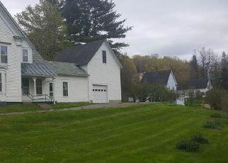 Casa en ejecución hipotecaria in Barton, VT, 05822,  LINCOLN AVE ID: F4141555