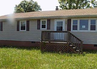 Casa en ejecución hipotecaria in Dinwiddie Condado, VA ID: F4147071