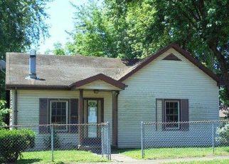 Casa en ejecución hipotecaria in Owensboro, KY, 42301,  W 3RD ST ID: F4149380