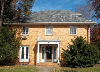 Foreclosed Home in WARREN CT, South Orange, NJ - 07079