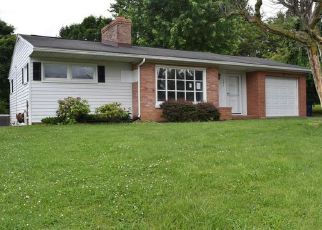 Foreclosed Home en AYLOR GRUBBS AVE, Stanley, VA - 22851
