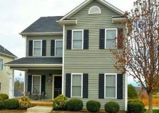 Foreclosed Home en CRANBERRY CT, Moneta, VA - 24121