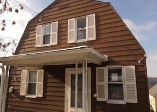 Foreclosed Home en DELAWARE AVE, Glassport, PA - 15045