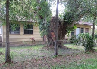 Foreclosed Home in CAMBRIDGE AVE, Tampa, FL - 33624
