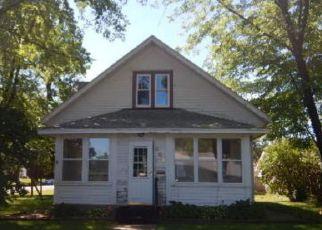 Casa en ejecución hipotecaria in Shakopee, MN, 55379,  5TH AVE W ID: F4157548