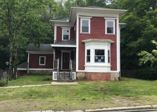 Casa en ejecución hipotecaria in Pascoag, RI, 02859,  CHURCH ST ID: F4158095