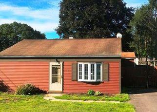 Casa en ejecución hipotecaria in Wallingford, CT, 06492,  CIRCLE DR ID: F4158131