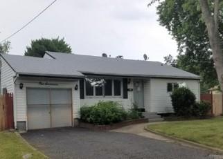 Casa en ejecución hipotecaria in Suffolk Condado, NY ID: F4161194