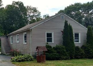 Foreclosed Home en HOLLOW RD, New Castle, PA - 16101