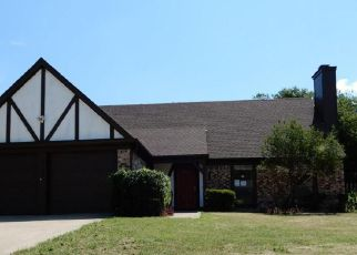 Casa en ejecución hipotecaria in Grand Prairie, TX, 75052,  WINCHESTER CT ID: F4195317