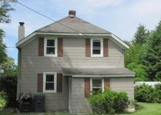 Foreclosed Home en SAINT STEPHENS PL, Warwick, NY - 10990