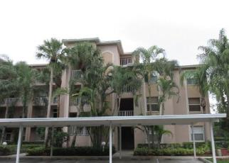 Foreclosed Home en SAWGRASS WAY, Naples, FL - 34112