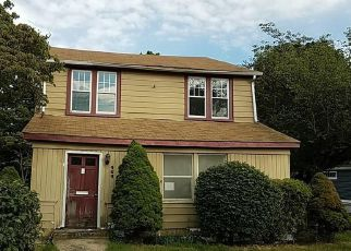 Foreclosed Home en THOMPSON AVE, East Haven, CT - 06512
