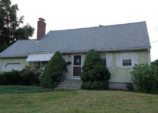 Foreclosed Home en PINNACLE RD, Plainville, CT - 06062