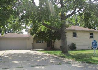 Casa en ejecución hipotecaria in Garden City, MI, 48135,  CAMBRIDGE ST ID: F4204033