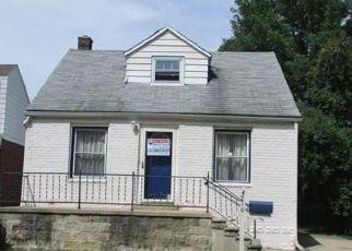 Casa en ejecución hipotecaria in Dearborn Heights, MI, 48125,  MAYFAIR ST ID: F4204053