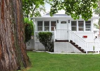 Foreclosed Home en KIRBY LN, Ronkonkoma, NY - 11779