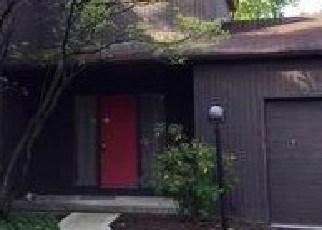 Foreclosed Home en OAKSHORE DR, Cleveland, OH - 44108